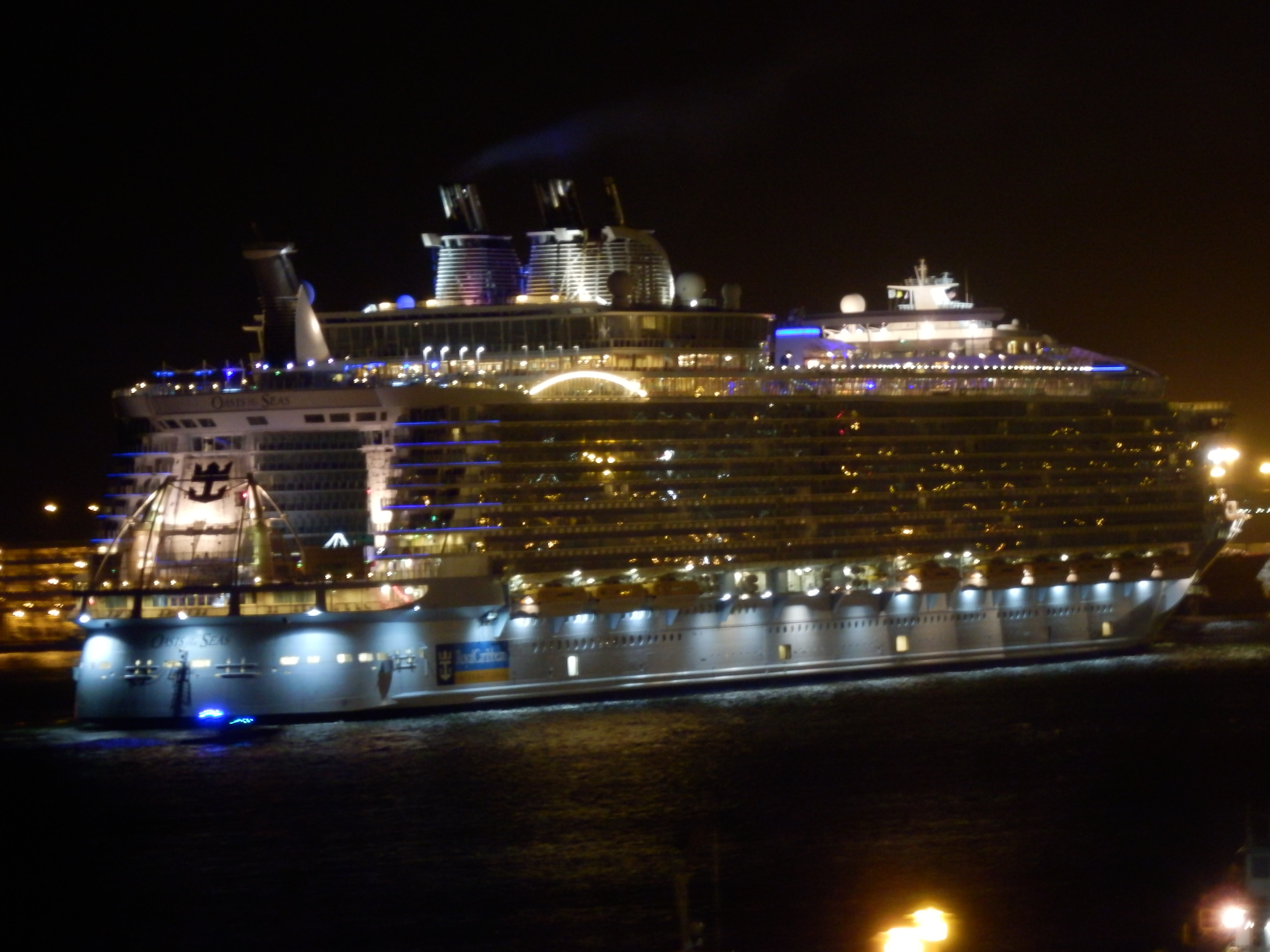 Oasis of the Seas arriving in Fort Lauderdale